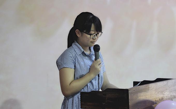 艺知艺考传媒播音班代表吴婷仪发言